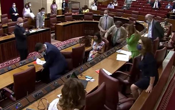 В Андалусии крыса сорвала заседание парламента