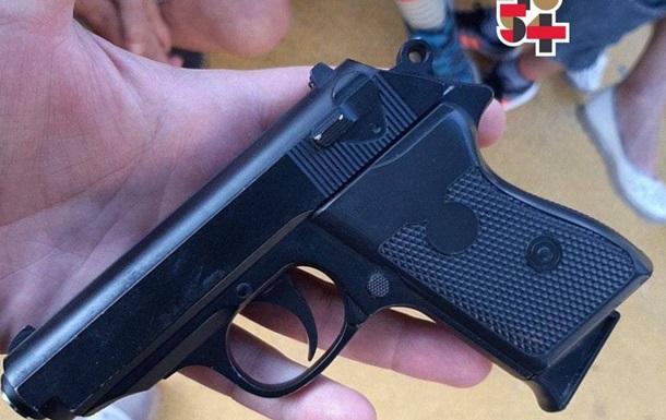 В Харькове ребенок устроил стрельбу на детской площадке - соцсети