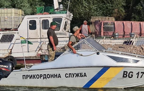 Прикордонники затримали румунське судно в дельті Дунаю