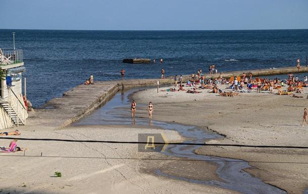 В Одесі просять не купатися в морі після дощів