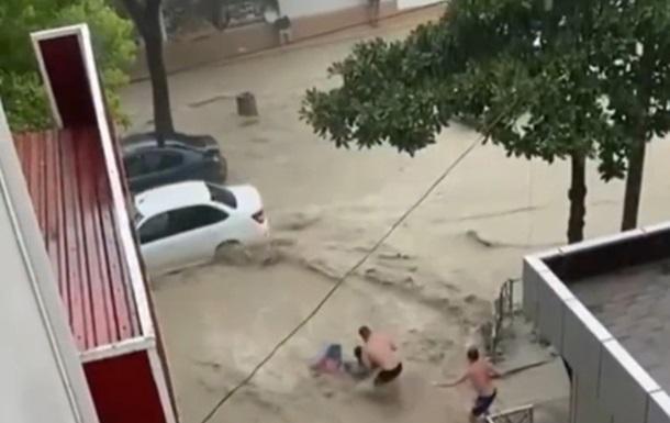Сочі затопило через сильну зливу
