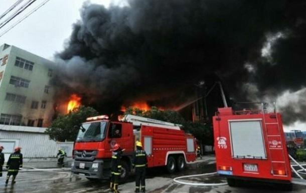 У Китаї під час пожежі на складі загинули 14 осіб - ЗМІ