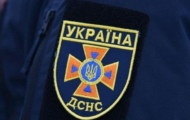 Во Львове пожар на предприятии ликвидировали почти 40 спасателей - (видео)
