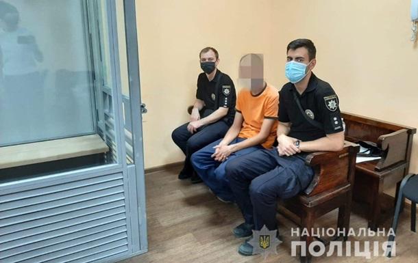В Кривом Роге суд арестовал мужчину, который держал мальчика на цепи