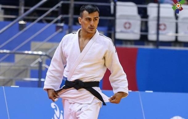 Зантарая прекратил выступление на Олимпиаде, проиграв в 1/8 финала