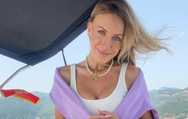Леся Никитюк позировала в купальнике
