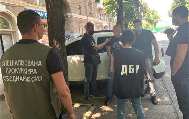 Харьковского пограничника поймали на взятке в $12 тысяч