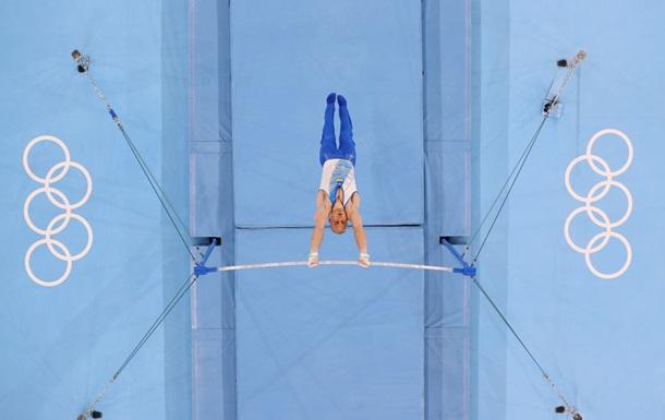Украинские гимнасты стали седьмыми в Токио в командном многоборье