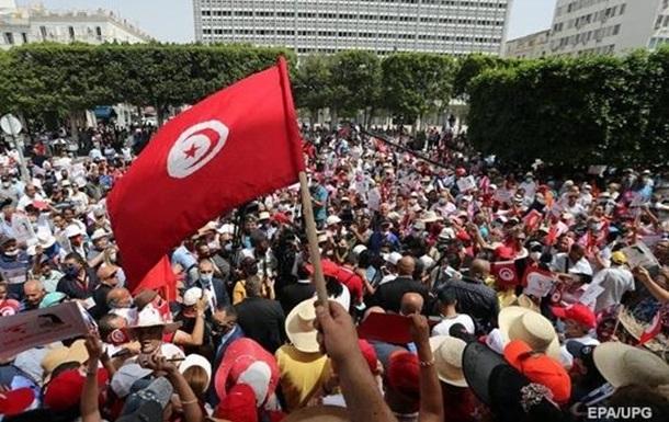 Провал для исламистов: что стоит за конституционным переворотом в Тунисе