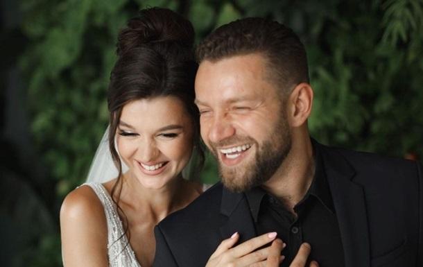 Украинский ведущий удивил свадебными фото