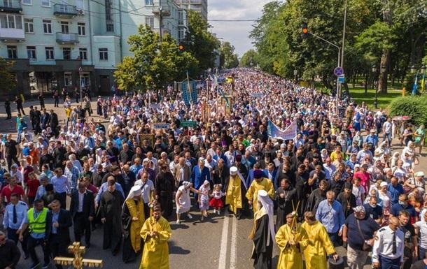 Полиция насчитала 55 тыс. участников кресного хода