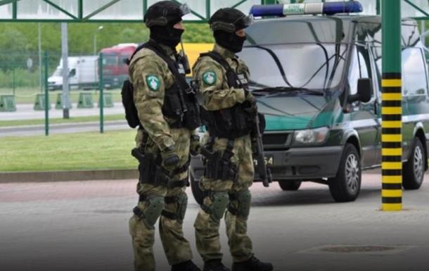 Стало известно скольким украинцам пограничники запретили въезд в Польшу
