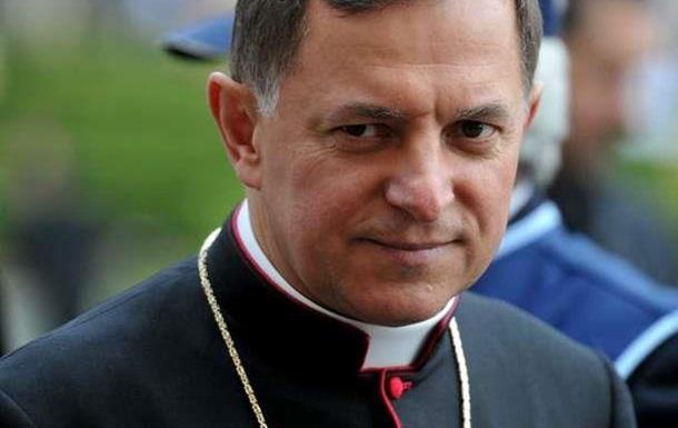 Украинские националисты решили теперь и католиков прессовать
