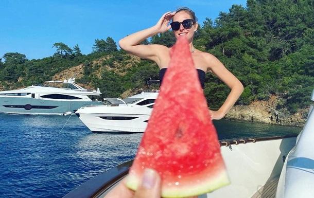 Беременная Катя Осадчая поделилась кадрами с отдыха в Турции