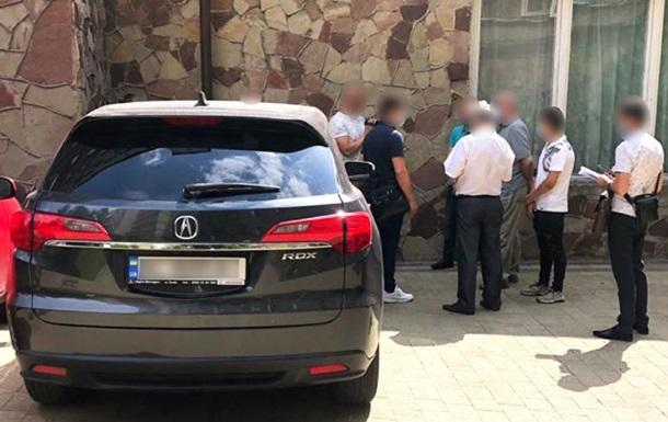 На Львовщине военнослужащего задержали на взятке