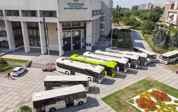 У Києві показали автобуси нового зразка