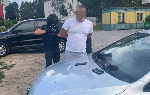 У Хмельницькій області на хабарі затримали двох поліцейських