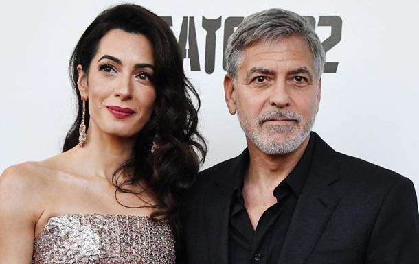 Дружина Джорджа Клуні знову вагітна близнюками - ЗМІ