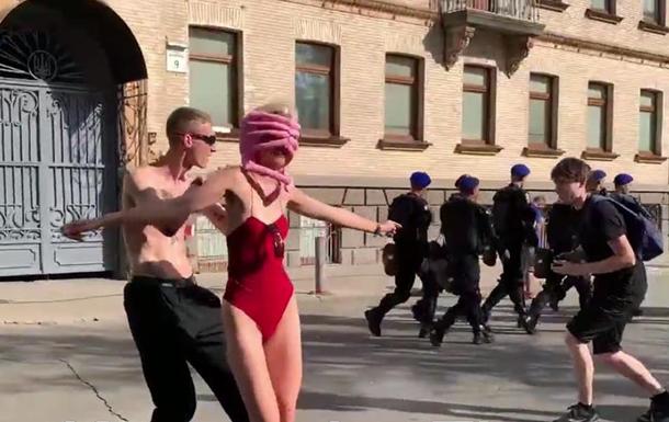 В центре Киева проходит ЛГБТ-рейв
