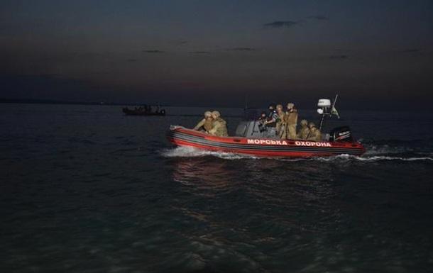 В Азовском море прошли ночные учения пограничников и ВМС