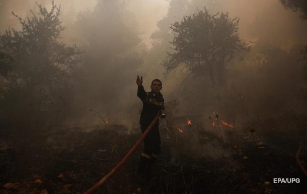 В Греции продолжаются массовые лесные пожары