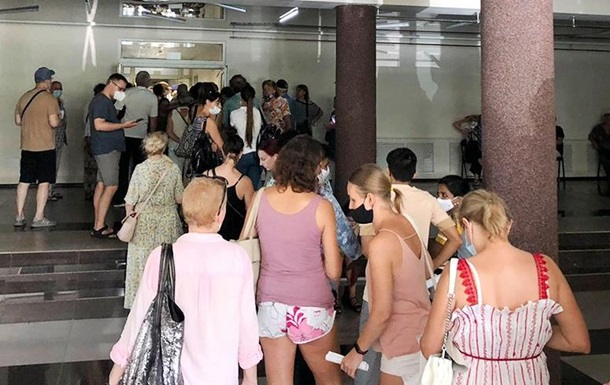 За сутки привили от COVID почти 70 тысяч украинцев