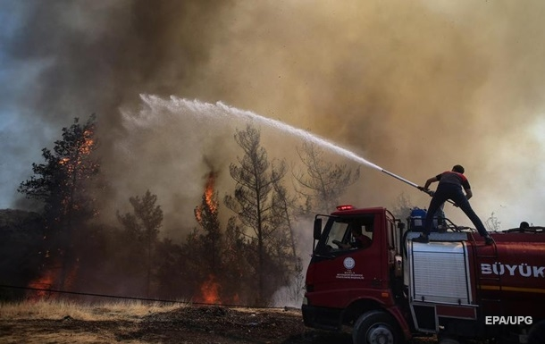 Пожежі в Туреччині: курди взяли відповідальність