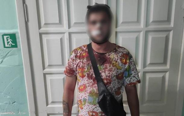 На Киевщине мужчина, стреляя в толпу, ранил своих родителей