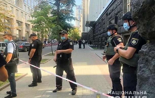 Поліція веде переговори із загарбником Кабміну