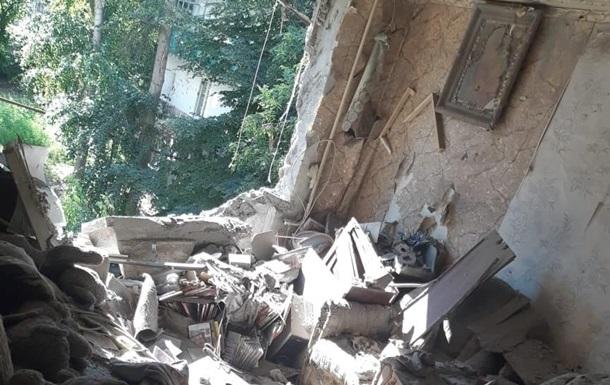 Сепаратисти обстріляли багатоповерхівку в Красногорівці