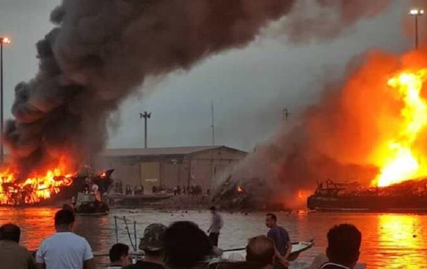 В іранському порту згоріли п ять торгових суден
