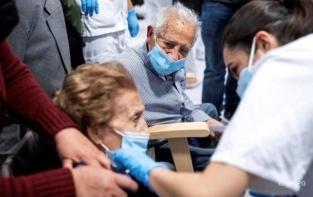 Франция вводит ревакцинацию граждан от коронавируса