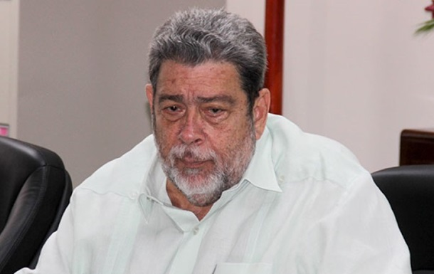 Главу правительства Сент-Винсента и Гренадин ранили на акции протеста