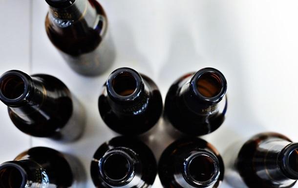 Українці стали рідше помирати від отруєння алкоголем