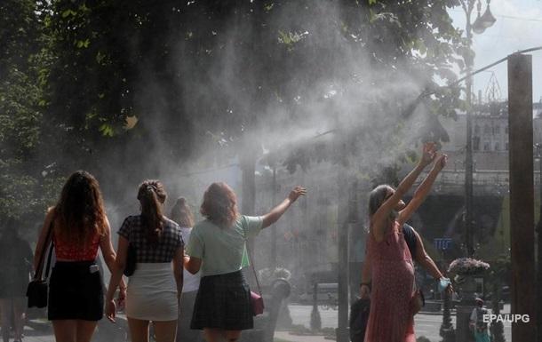 Погода на выходные: в Украине жара и грозы