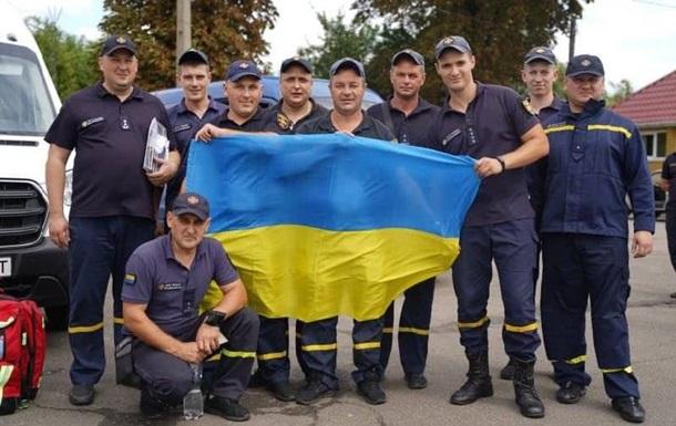 Українські пожежники вилетіли в Грецію для допомоги з гасінням лісів