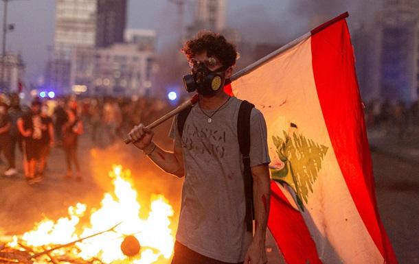 Рік після вибуху. Чому криза в Лівані дедалі гіршає
