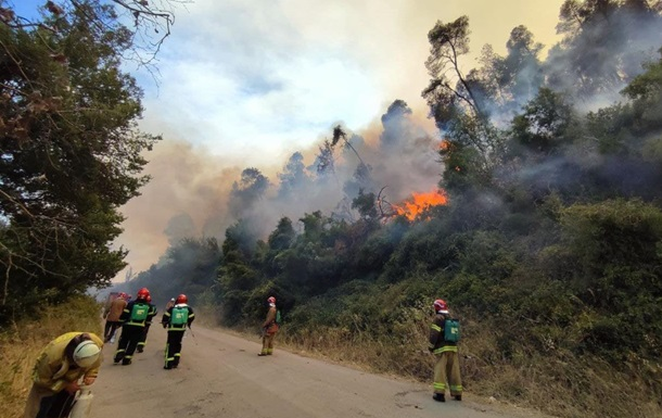 Пожары в Греции: украинцы спасли два населенных пункта