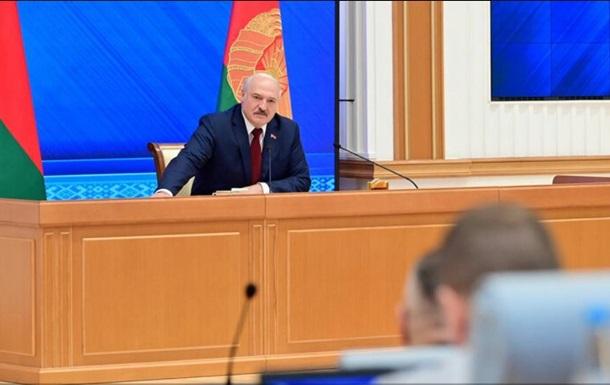 Лукашенко про нелегалів: Ми змушені реагувати