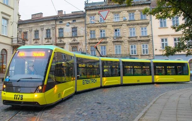 Во Львове из-за аварии не работает электротранспорт