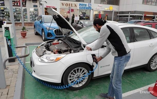 Електрокари займуть дві третини світового авторинку до 2040 року - Bloomberg