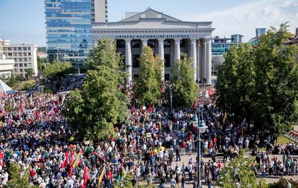 В Литве протестуют против обязательной вакцинации