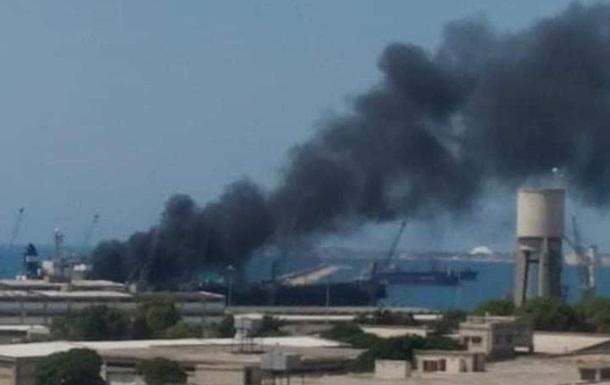 У Сирії біля авіабази РФ сталася пожежа на судні