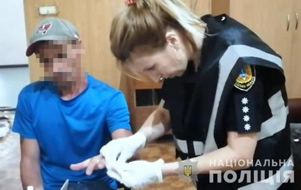 В Одесі чоловік убив ножицями сусіда за образу дочки