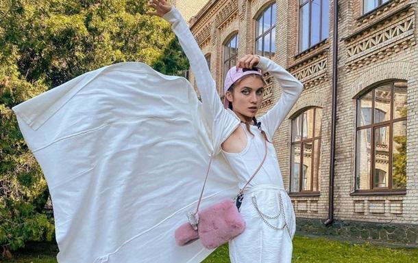 Украинская певица удивила  свадебными  фото