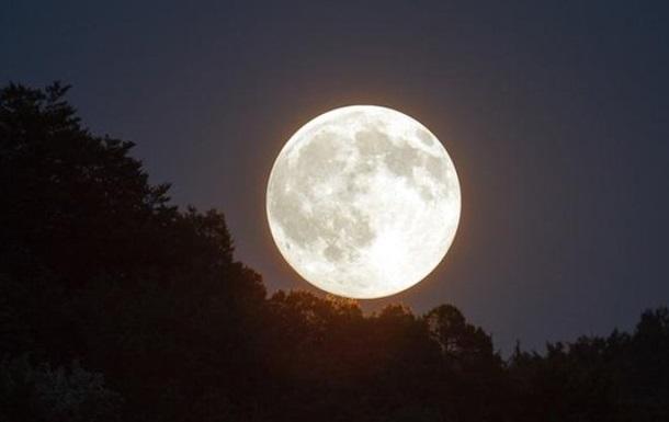 США не зможуть повернути людей на Місяць в 2024 році