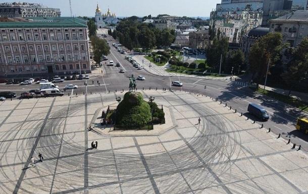 Red Bull принесла извинения за дрифт на Софийской площади