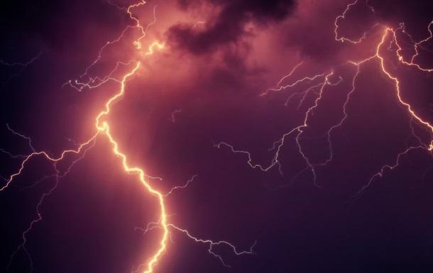 Блискавка залишила частину Енергодара без світла