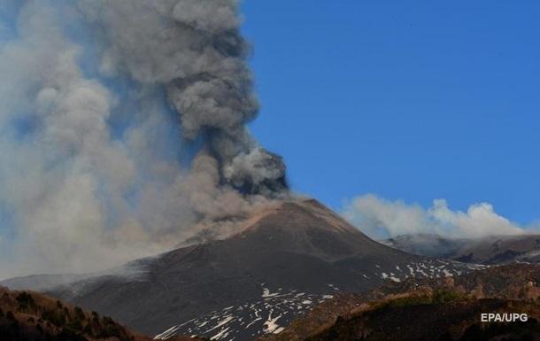 Вулкан Етна встановив новий рекорд висоти