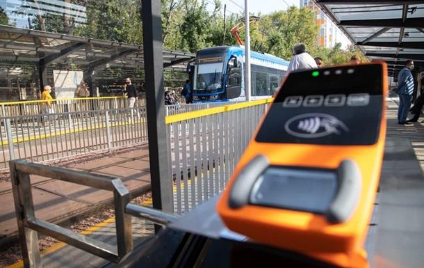 В Киеве возобновляется движение скоростного трамвая